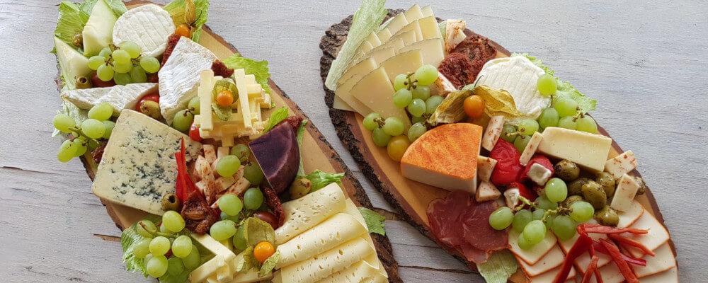 Käseplatte mit Manchego Käse, Ibérico Käse, Ziegenkäse, etc.